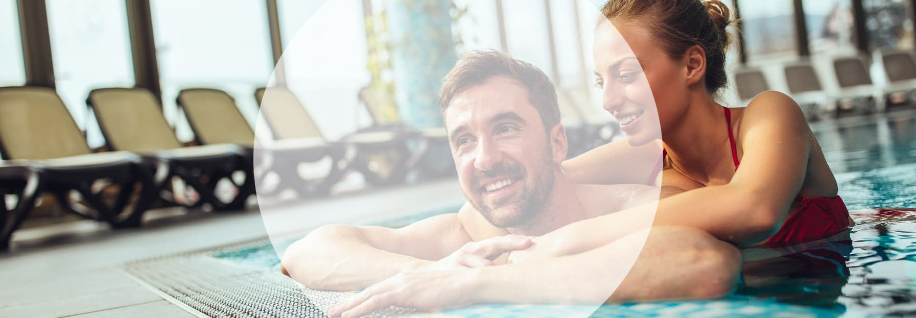 couple in swimming pool - tourism & leisure